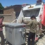 جمع آوری مکانیزه ی زباله در روستای رزجرد