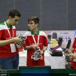 آقای علی صادقی، نوجوان رزجردی حاضر در پانزدهمین المپیاد جهانی روباتیک تایلند